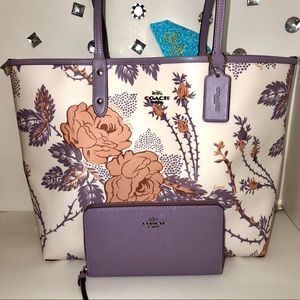 COACH💎THORN ROSE REVERSIBLE TOTE + PHONE WALLET